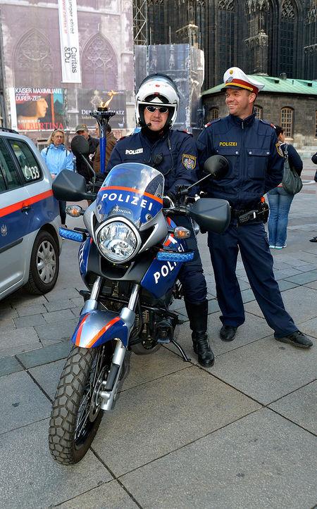 police escort vienna
