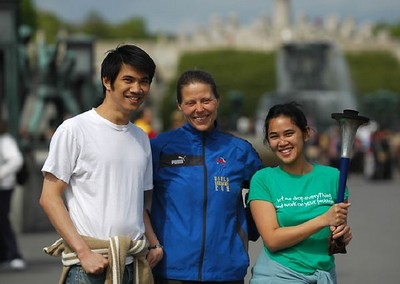 Friederike w thai couple